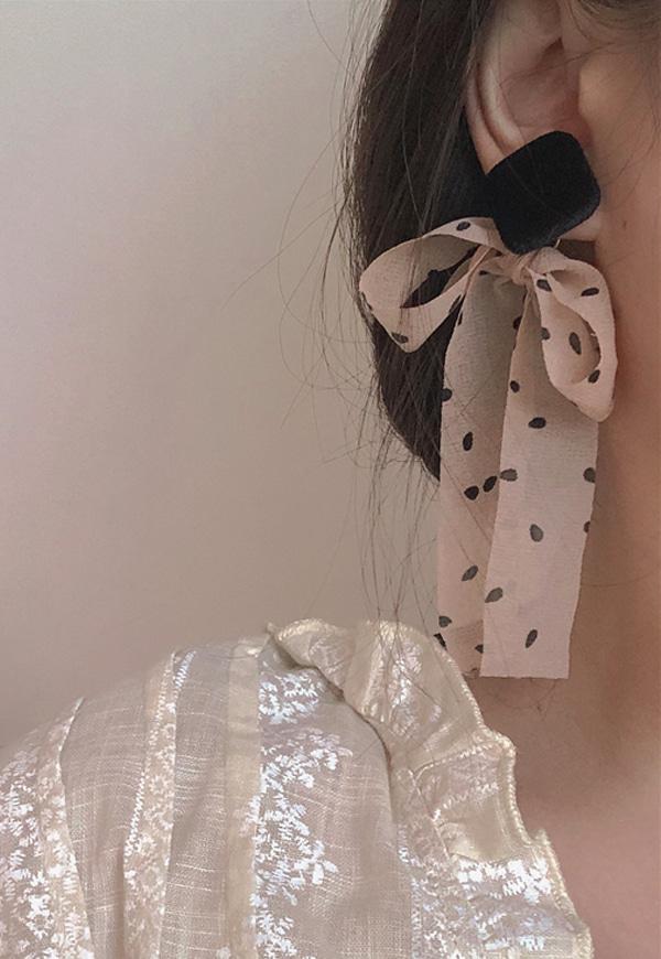 (수입) 쉬폰 리본 포인트 귀걸이(귀찌가능)-2302