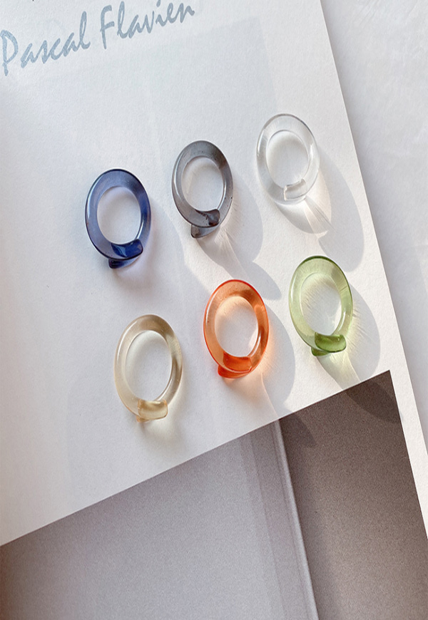 (수입) 개성 강한 아크릴 반지-M1056